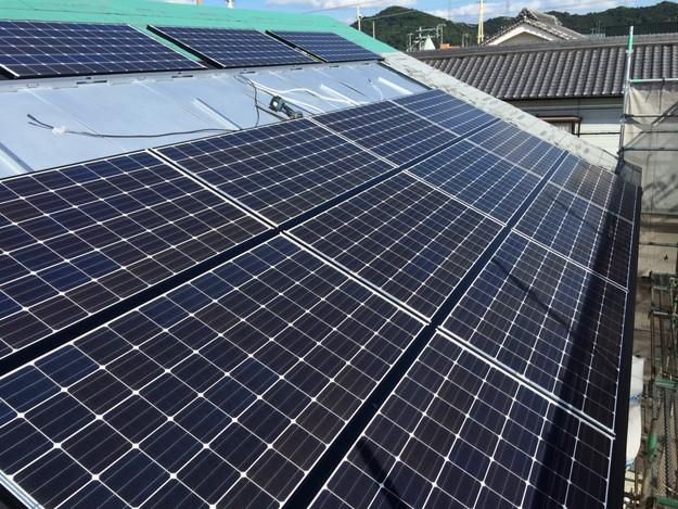 新築屋根工事と太陽光ソーラーパネル設置工事1443837696402