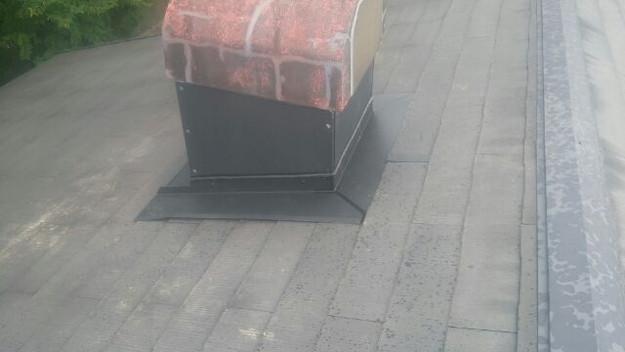 暖炉煙突回りの防水処理と板金の雨漏り対策工事1441328836746