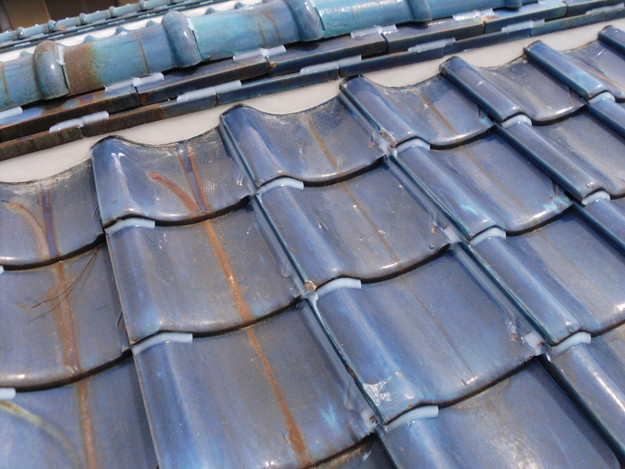 雨漏り対策漆喰工事とラバー工事DSCI0280