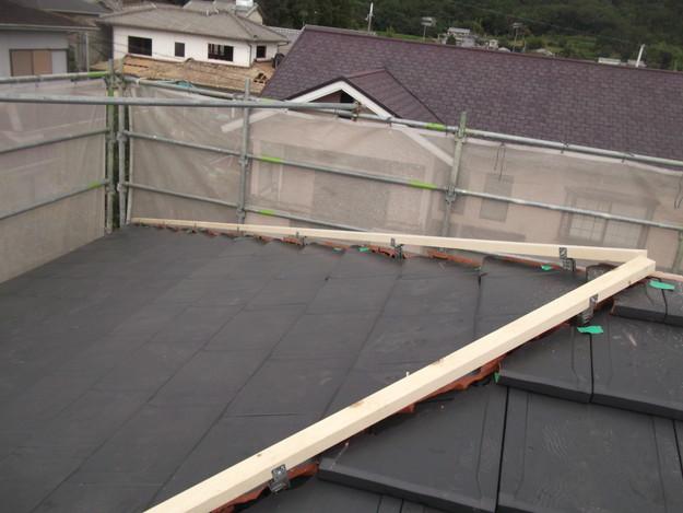屋根のリフォーム新設瓦設置中棟部DSCF2053