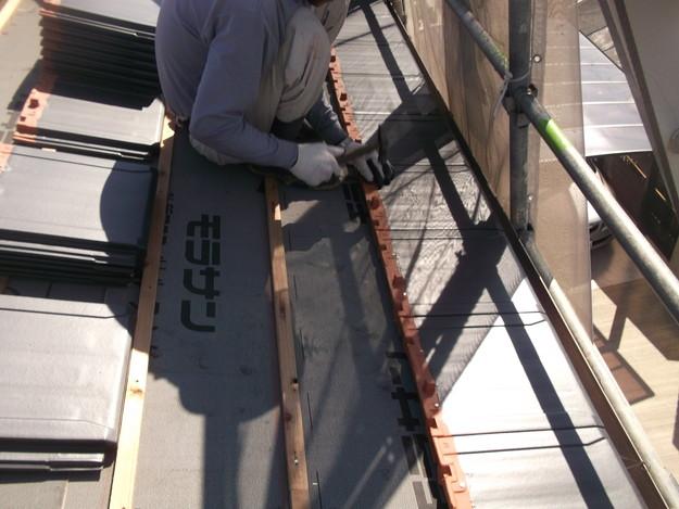 屋根のリフォーム新設瓦設置中DSCF2045