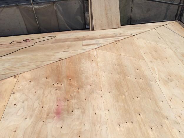 屋根下地づくりと補強工事屋根のリフォーム神戸市1441974750475