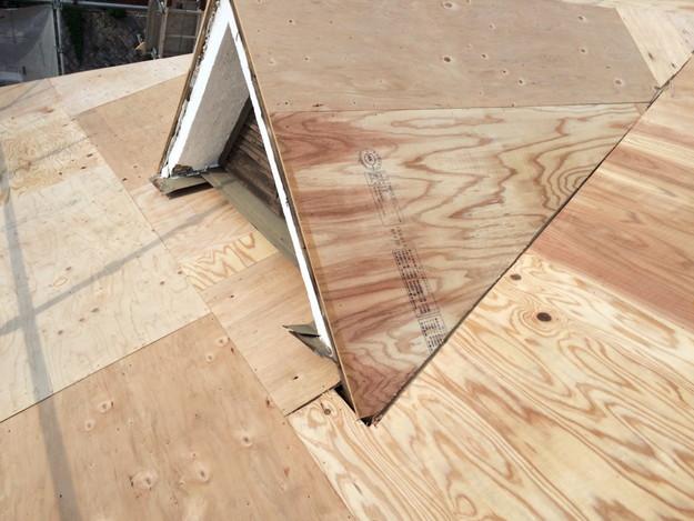 屋根下地づくりと補強工事屋根のリフォーム神戸市1441974761985