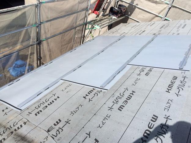 新築屋根工事と太陽光ソーラーパネル設置工事1443837685399