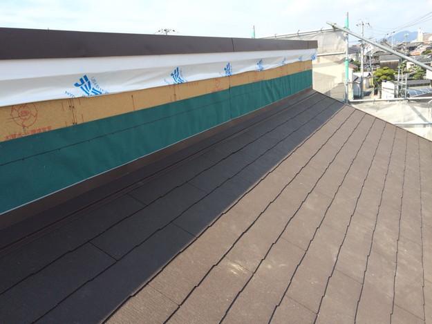 新築屋根工事と太陽光ソーラーパネル設置工事1443837729773