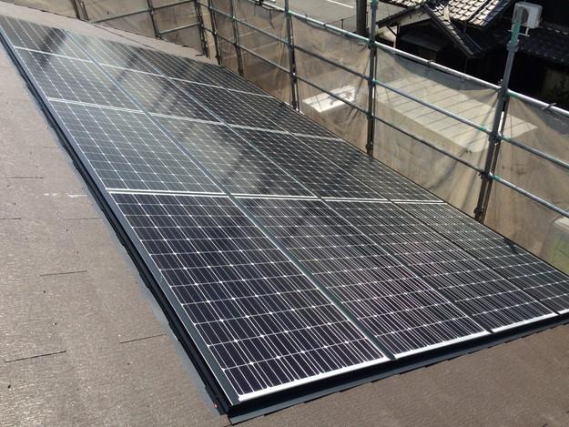 新築屋根工事と太陽光ソーラーパネル設置工事1443837738013