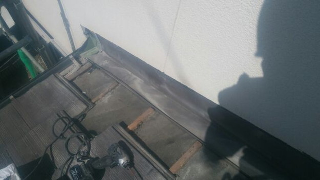 雨漏り修理壁際板金工事1441972211811