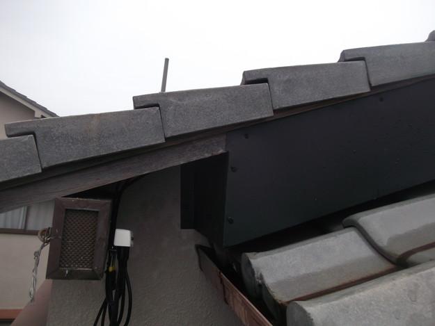 棟違いの破風部を板金延長した雨漏り対策DSCF2293