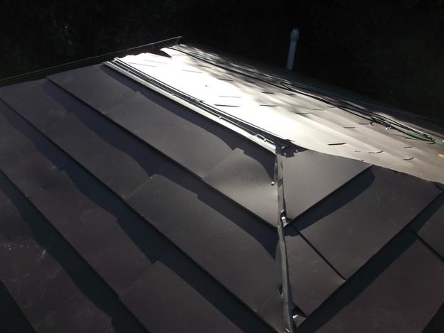 5カバー工法ガルバリウム屋根葺き替え工事DSCF2309
