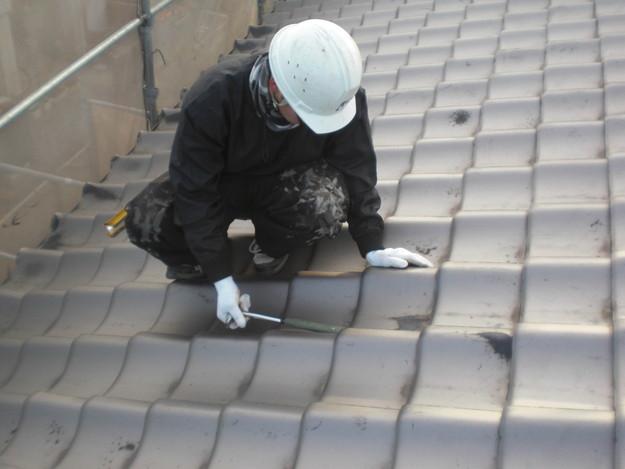 台風・暴風・地震によるズレめくれなど瓦の耐久性を高めるラバーロック工事ビフォーCIMG2167