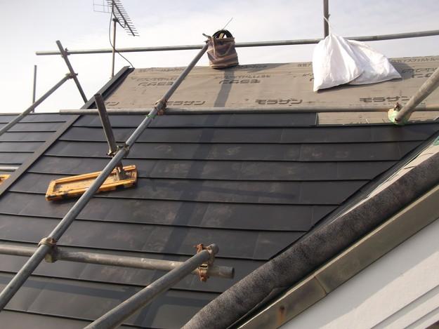 新設屋根材敷設中DSCF2417