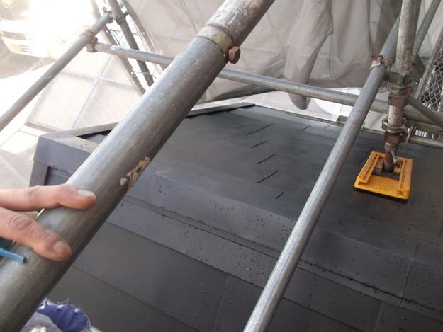 新設屋根材敷設中DSCF2498
