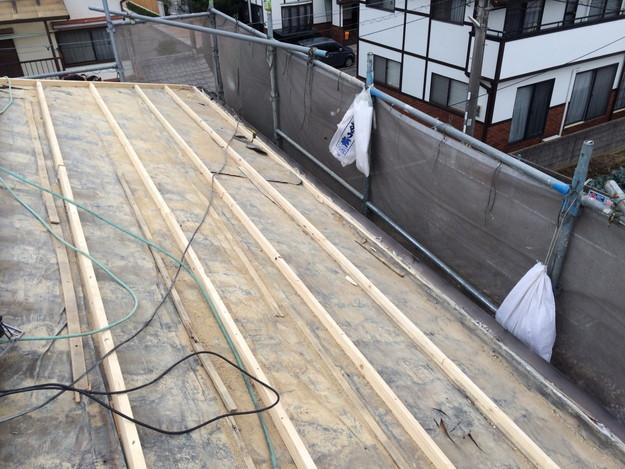 既存屋根瓦の撤去作業1449367312801