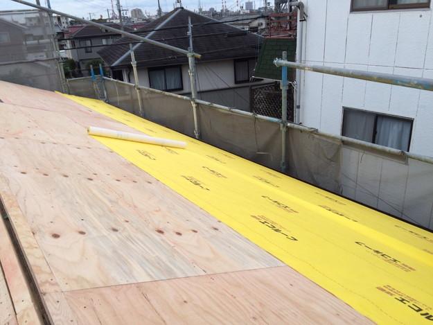 屋根防水シート敷設1449324561875