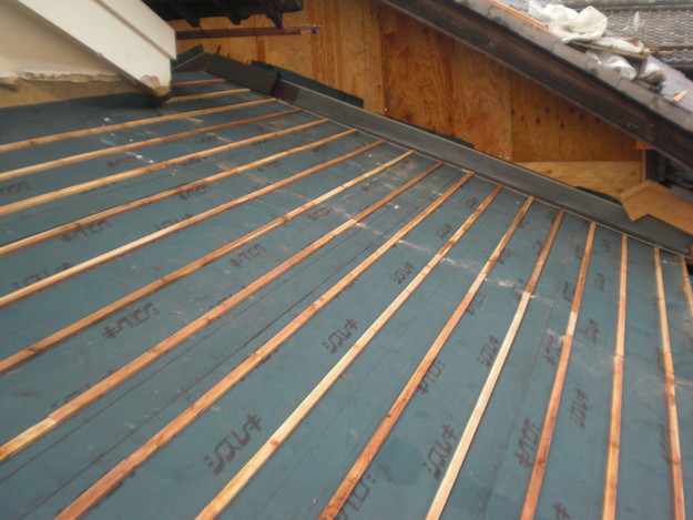 屋根防水シート敷設CIMG2081