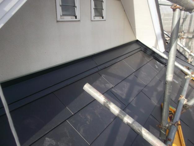 新設屋根材敷設中DSCF2422