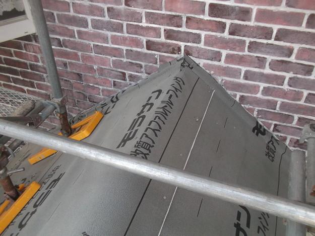 新設屋根材敷設中DSCF2451