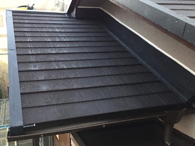 新設屋根材敷設作業1449324838510