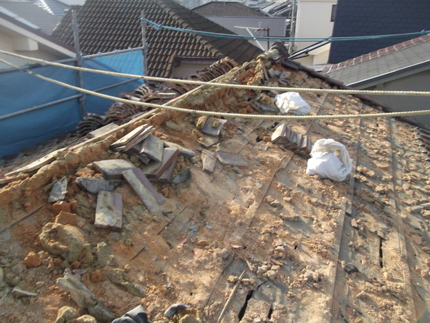 既存屋根瓦の撤去DSCF2385