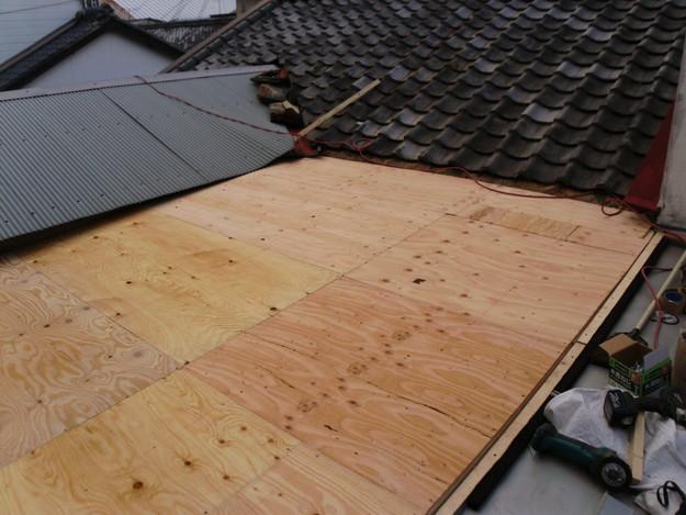 立平葺き屋根工事中の様子DSCI0721
