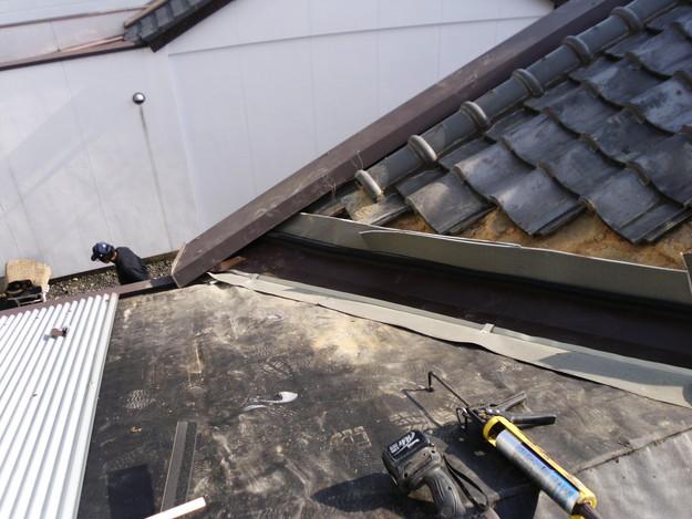 立平葺き屋根工事中谷板金工事の様子DSCI0732