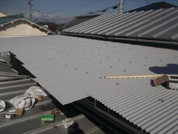 カラートタン波板設置工事中DSCF2693