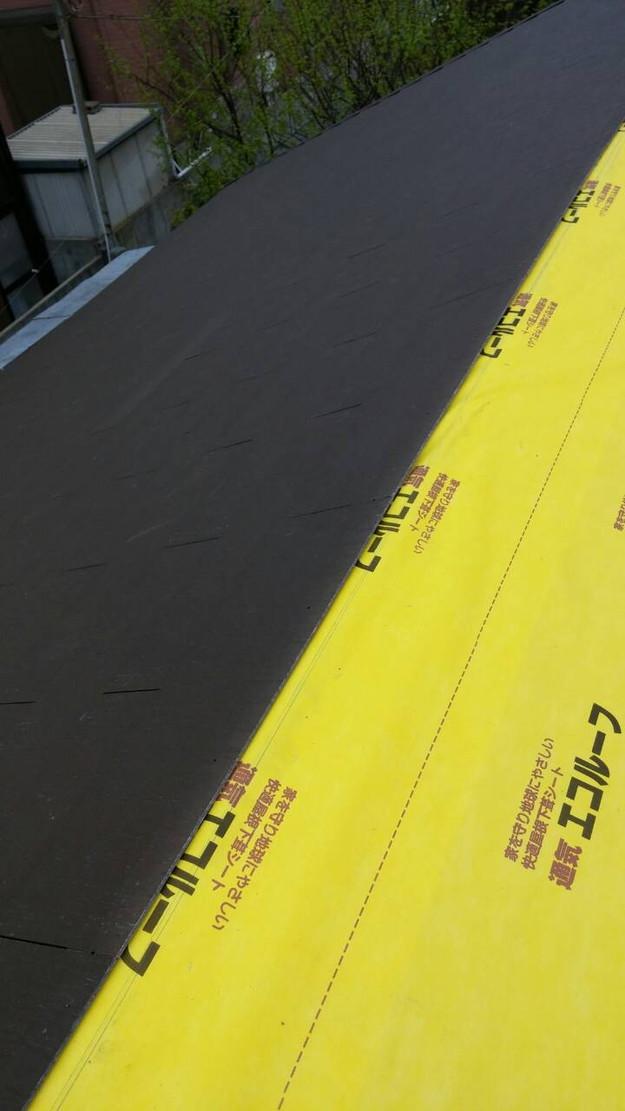 カラーベスト屋根葺き替え施工中1459684878139
