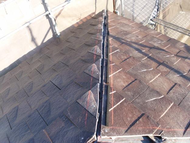 屋根のリフォームハイブリッド瓦敷設工事の様子DSCI1145