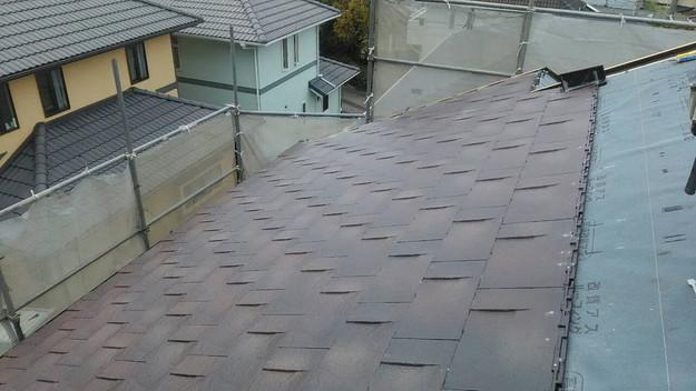 屋根のリフォーム神戸市新設屋根材ハイブリッド瓦設置作業1461820883688