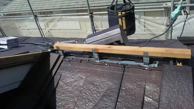 屋根のリフォーム神戸市新設屋根材ハイブリッド瓦設置作業1461820908630