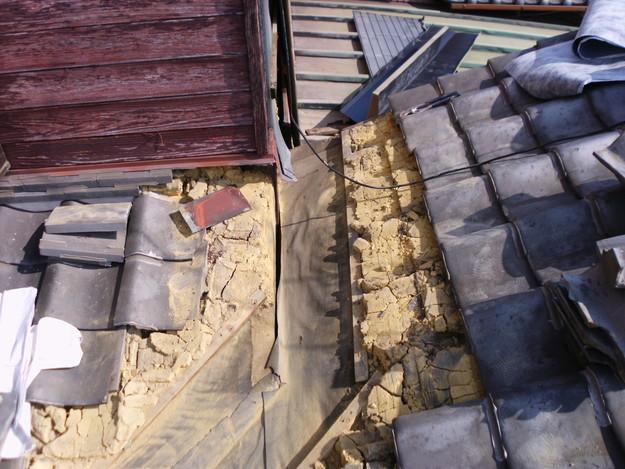 屋根板金交換工事施工中DSCI1179
