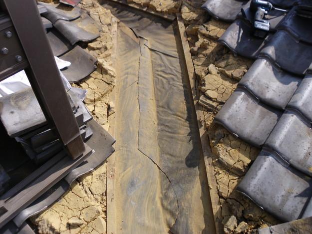 屋根板金交換工事施工中DSCI1180