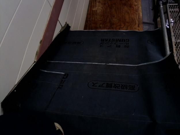 屋根防水シート敷設中DSCI1114