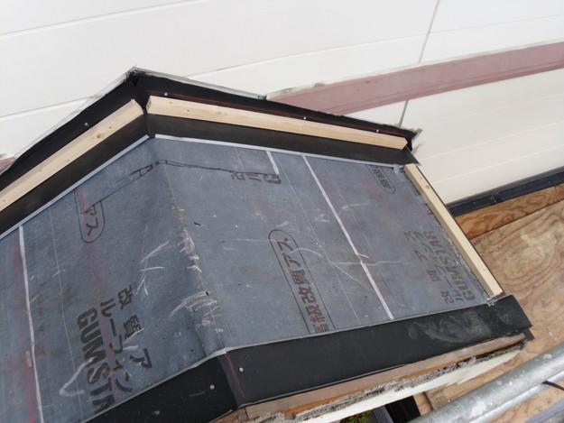 屋根防水シート敷設中DSCI1160