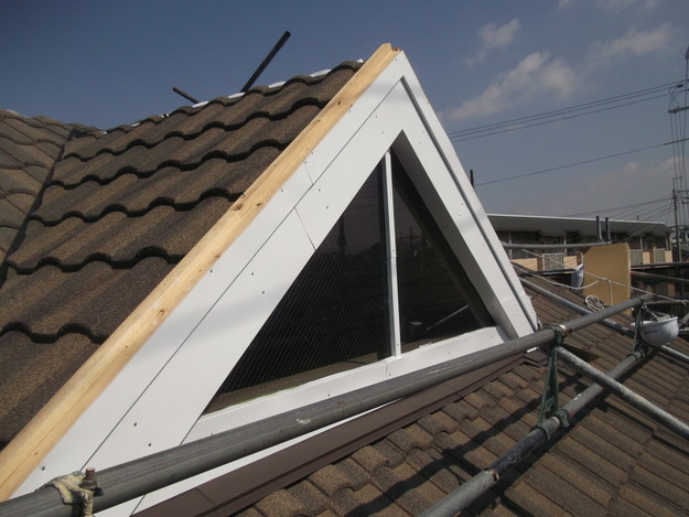 高級高性能洋風金属瓦によるカバー工法屋根リフォーム工事DSCF2814