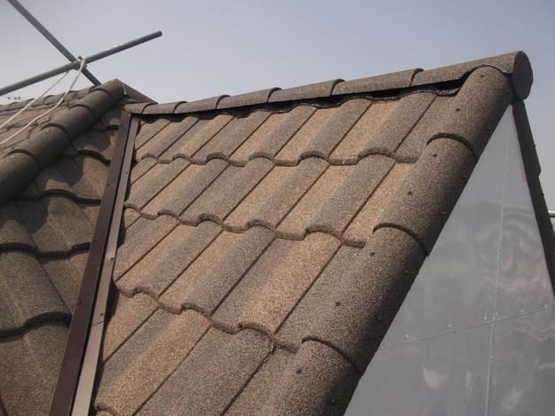 高級高性能洋風金属瓦によるカバー工法屋根リフォーム工事DSCF2839