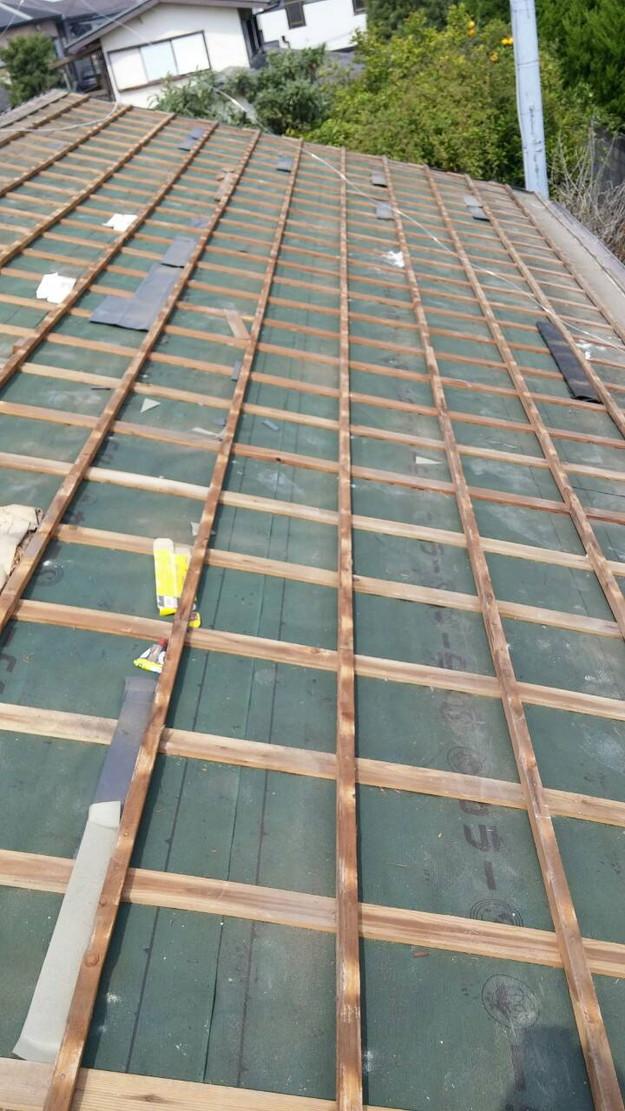 カラーベスト屋根葺き替え施工中1459670903034