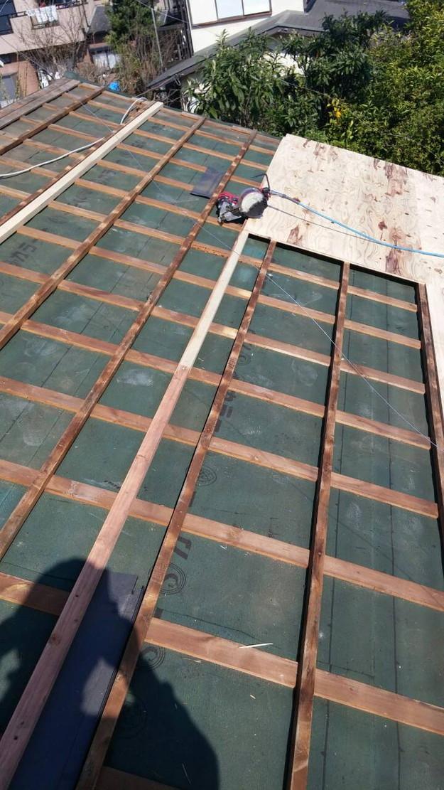 カラーベスト屋根葺き替え施工中1459670929186