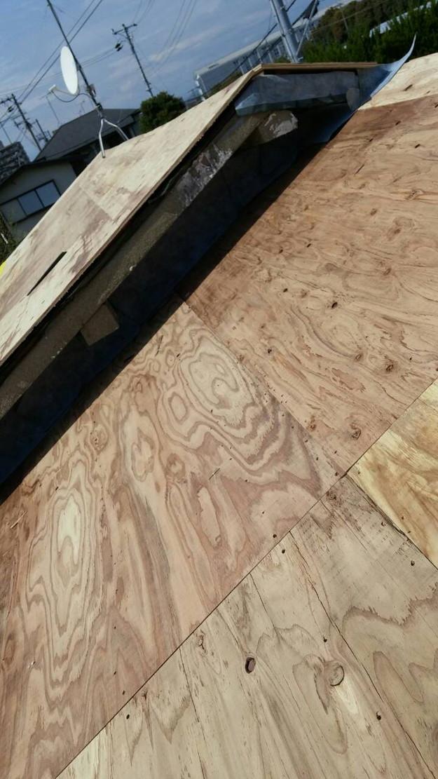 カラーベスト屋根葺き替え施工中1459670960572