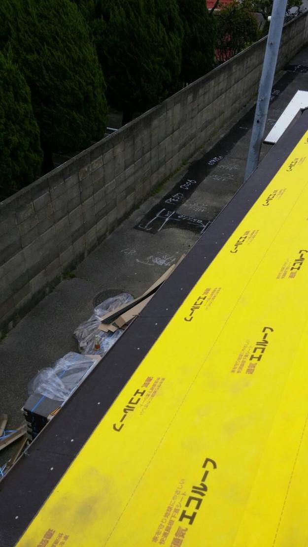 カラーベスト屋根葺き替え施工中1459684872705
