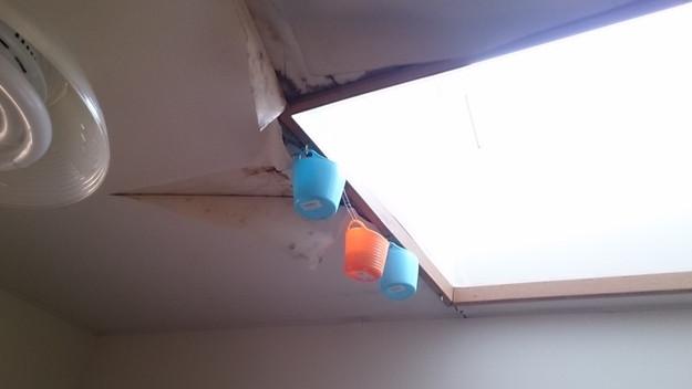 今月の雨漏り点検修理雨漏りの原因箇所天窓DSC_3035