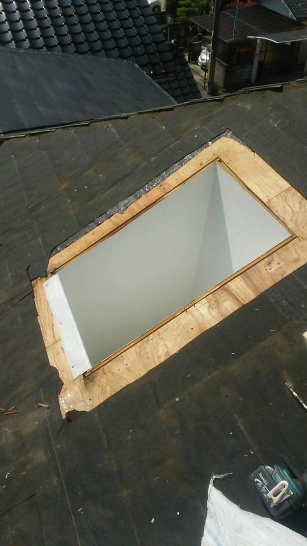 天窓の雨漏り修理工事1460897121360