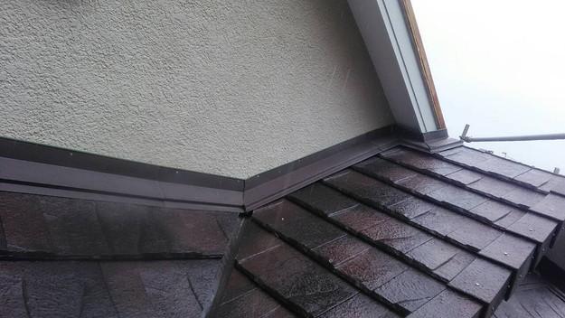 屋根のリフォーム神戸市新設屋根材ハイブリッド瓦設置作業1461820906629