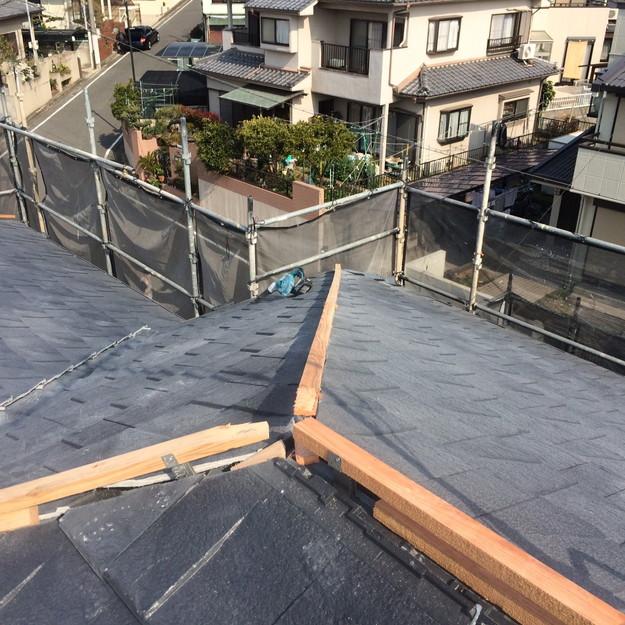 屋根のリフォーム葺き替え工事新設屋根材設置中1459505927129