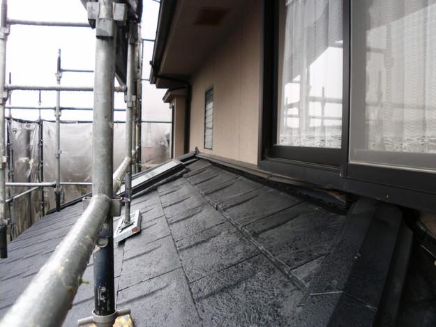 屋根のリフォーム葺き替え工事新設屋根材設置中DSCI1300