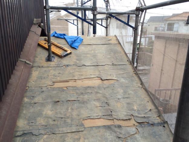 屋根葺き替え工事施工中1458906385327
