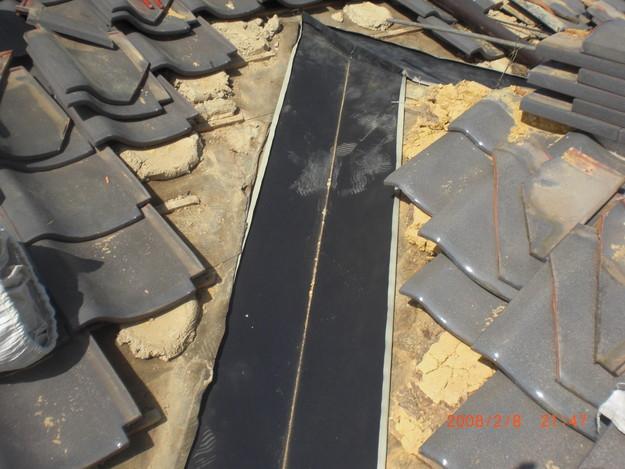 雨漏り・台風対策屋根修理施工中CIMG2579