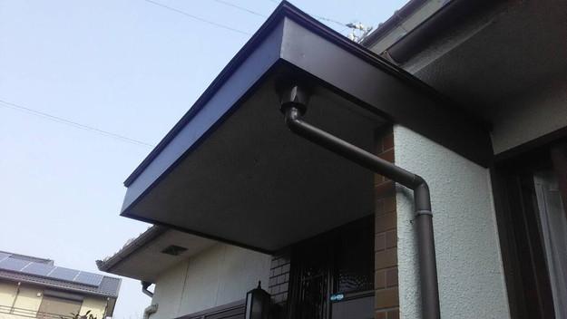 雨漏り修理玄関の板金工事完了1456706338617