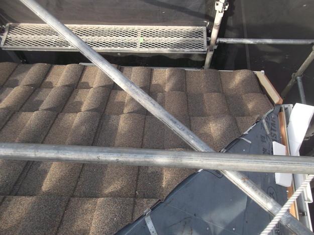 高級高性能洋風金属瓦によるカバー工法屋根リフォーム工事DSCF2756