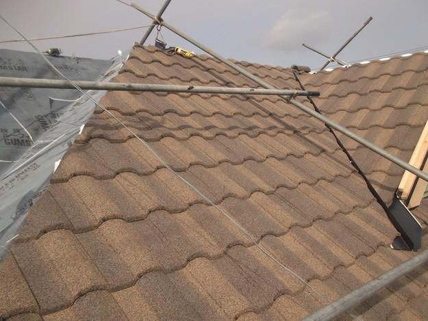 高級高性能洋風金属瓦によるカバー工法屋根リフォーム工事DSCF2784